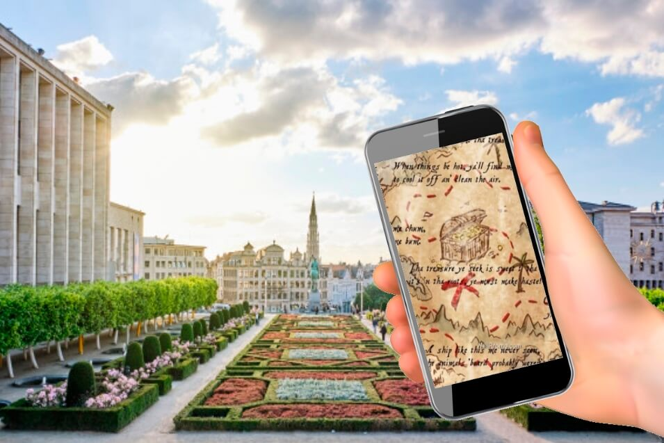 escape city game in brussels with a phone
